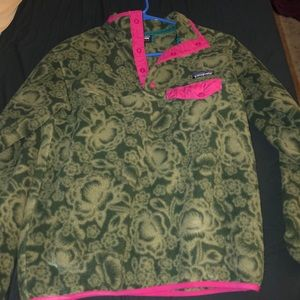 Patagonia. Green paisley pattern! Great condition